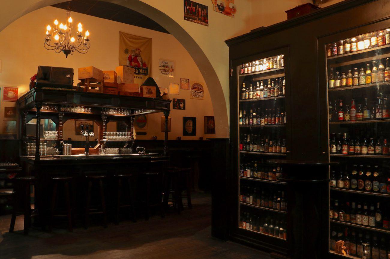Een eigen cafe afhuren voor een verjaardag of receptie, dat kan in deze feestzaal van Lokaal Heemskerk. Omgeving Uitgeest-Beverwijk-Castricum.